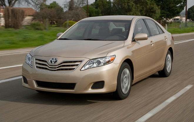 toyota-camry-le